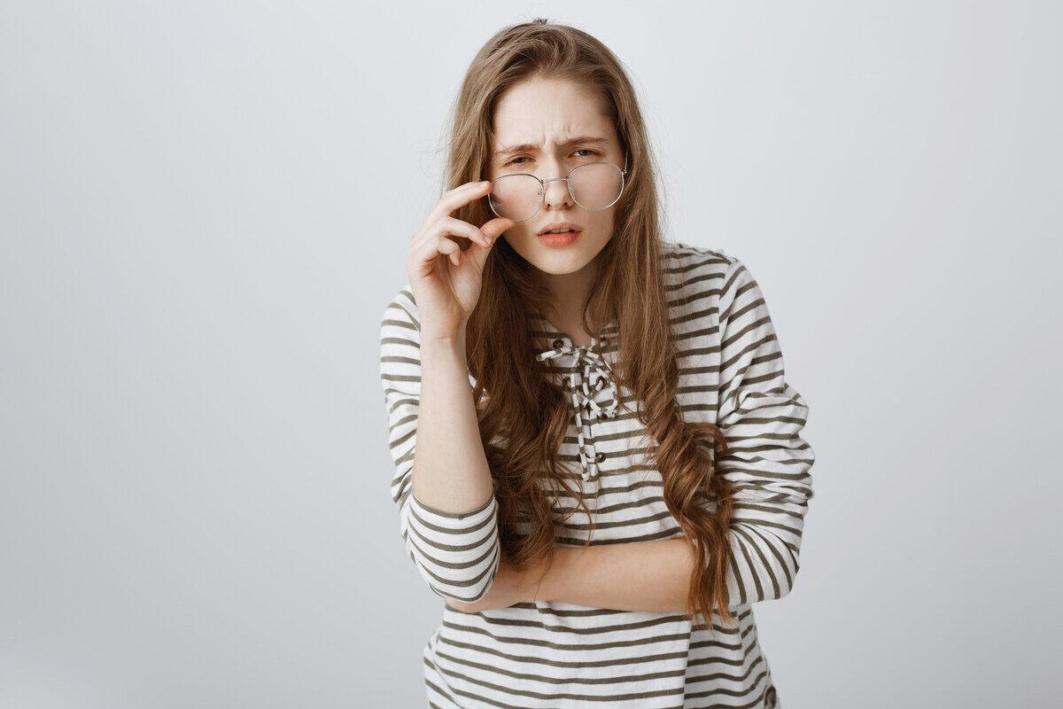 zamagljen vid i suhe oči - uzroci, simptomi i liječenje