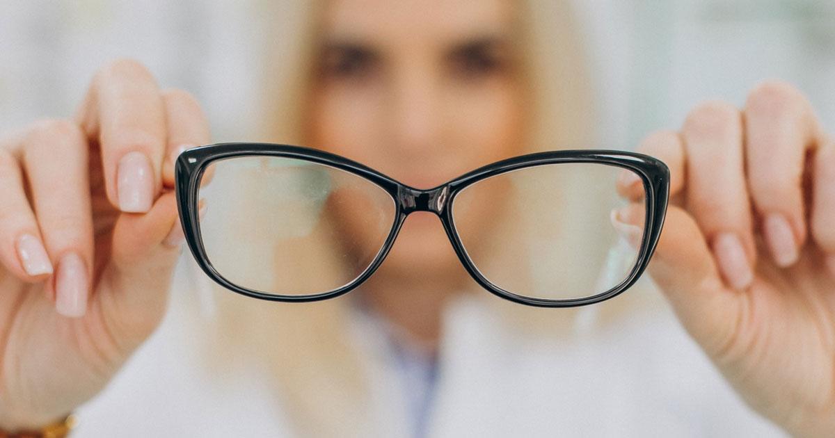 Najbolji-okviri-za-dioptrijske-naočale-(KAKO-IH-ODABRATI)